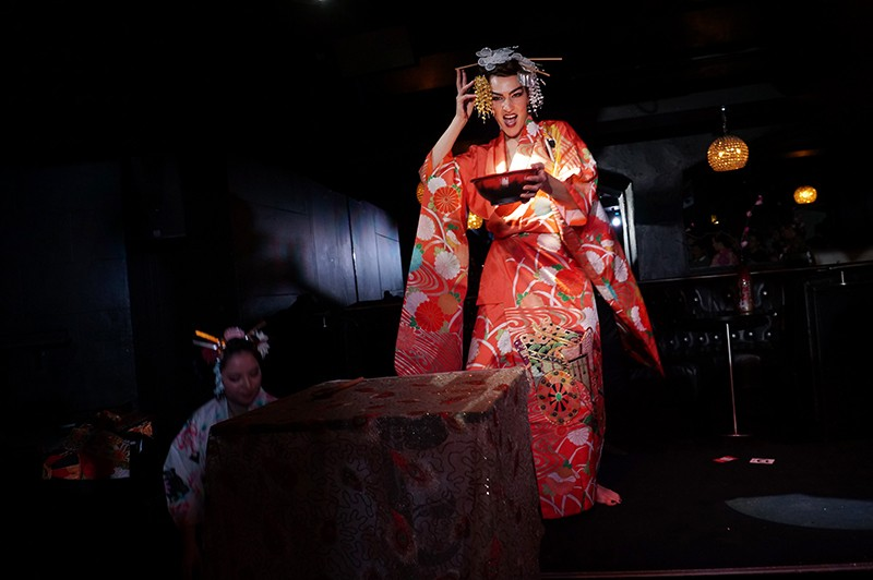 kimono burlesque, kimono party